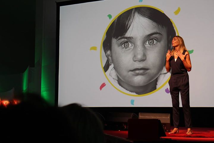charla Ted sobre estereotipos de género, proyecto Realkiddys
