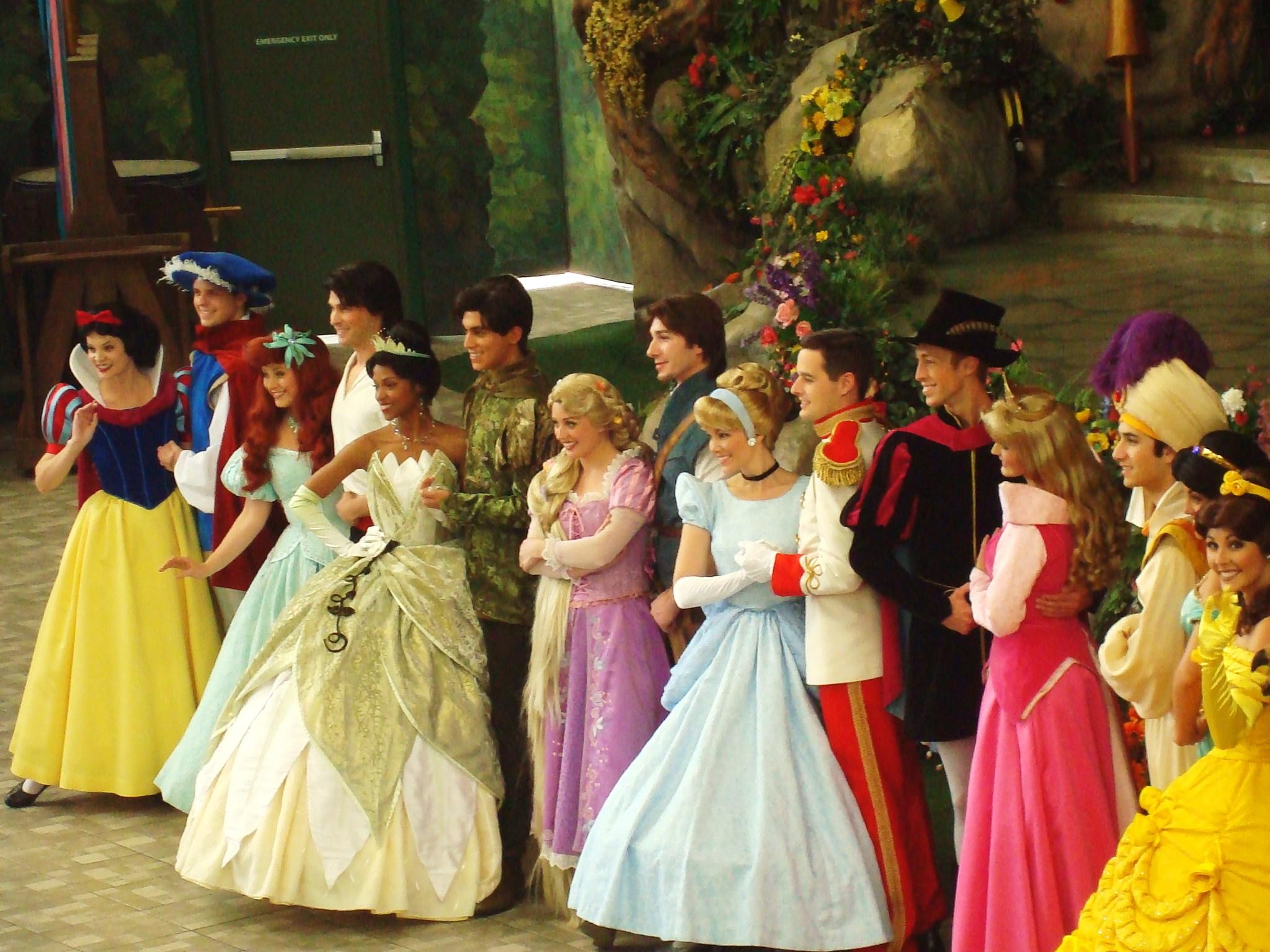 princesas disney, estereotipos en los disfraces, estereotipos en los cuentos, estereotipos de género