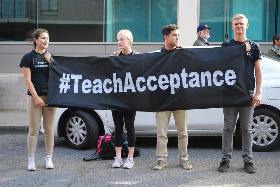 tolerante y trans-positiva
