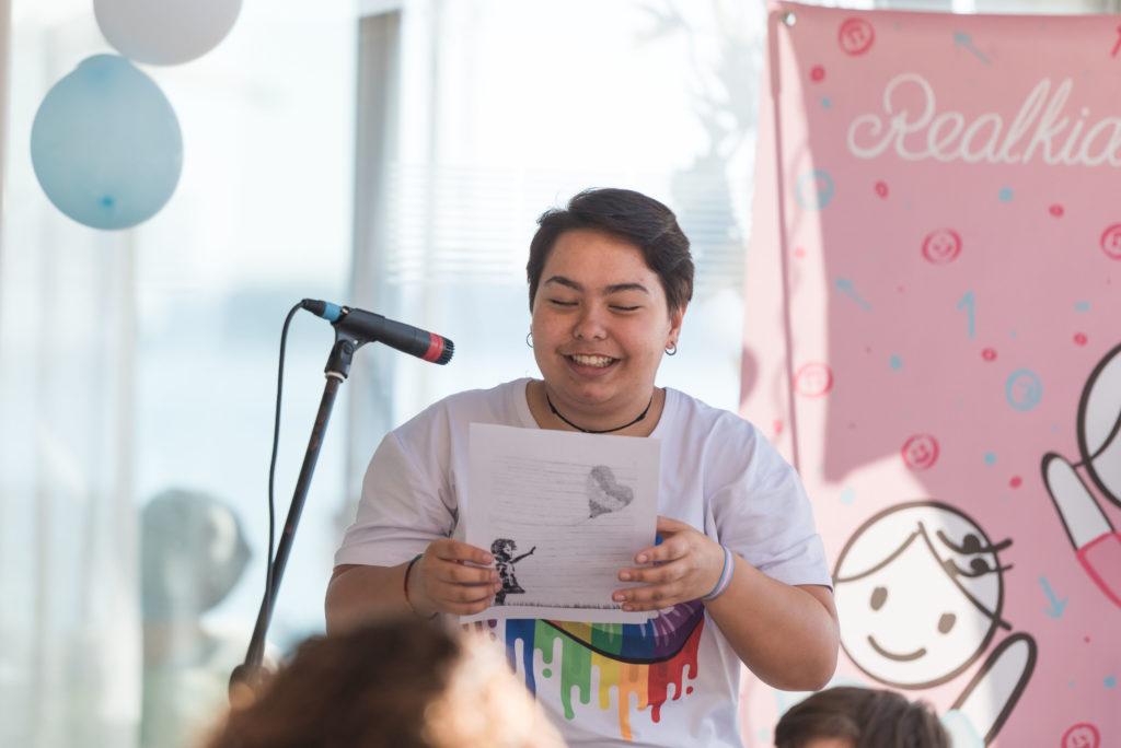 testimonio en presentación cuento trans